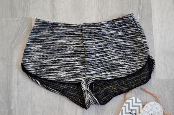 Spodenki Dzianinowe szorty H&M biało czarne krótkie spodenki XS