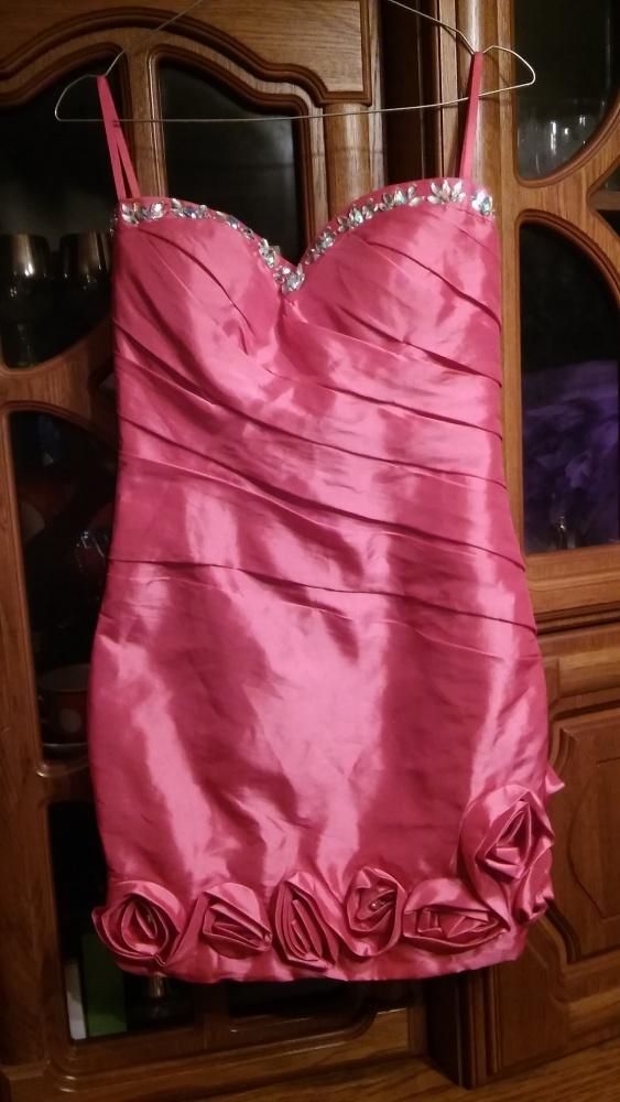 Koktajlowa sukienka róż kamyki 32 34
