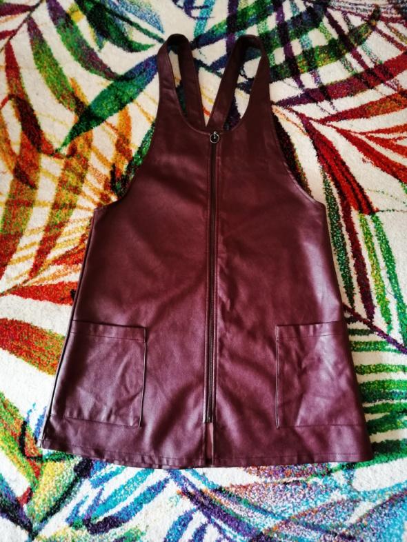 Skórzana sukienka ogrodniczka bordowa Atmosphere 40 L