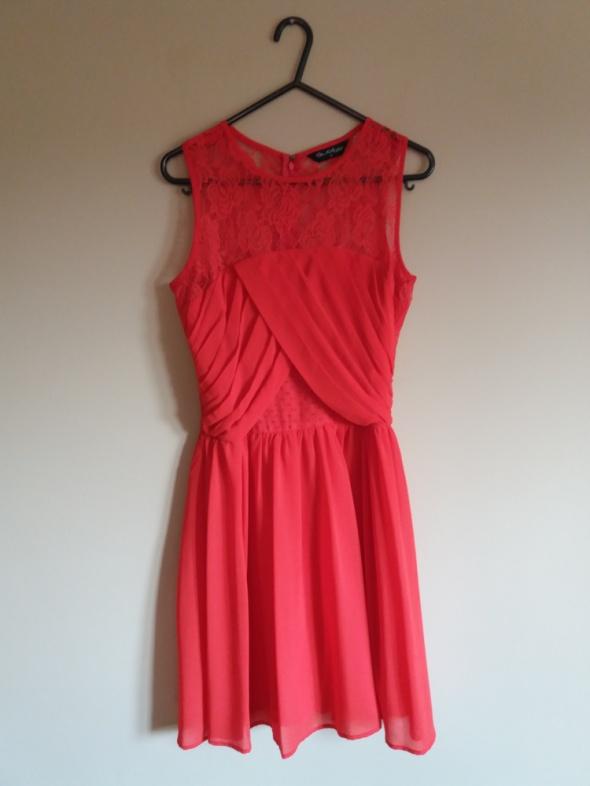 czerwona zwiewna sukienka miss selfridge r 34 36