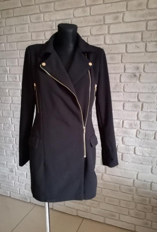 Zgrabny czarny płaszcz 34 36