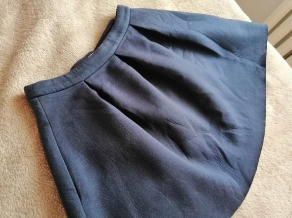 spodnieca rozkloszowana...