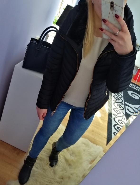 Odzież wierzchnia Granatowa puchowa kurtka zimowa Zara