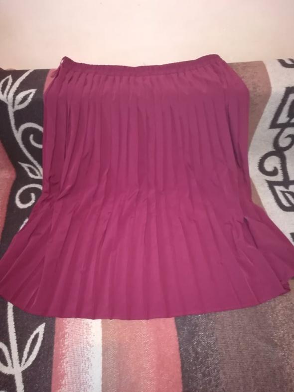 Burgundowa plisowana spódnica dla puszystej 50 52