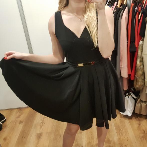 Sukienka mała czarna rozkloszowana plisowana L