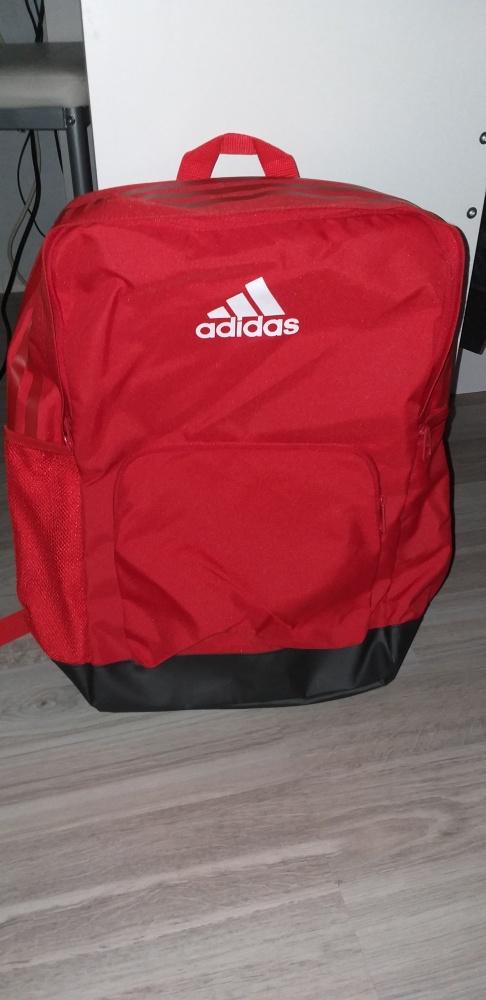 Nowy plecak Adidas...
