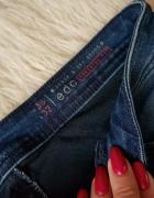 jeansy Esprit...