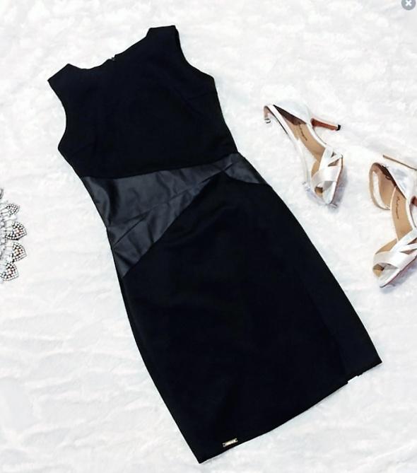 czarna mini sukienka ze skórzan wstawką 36