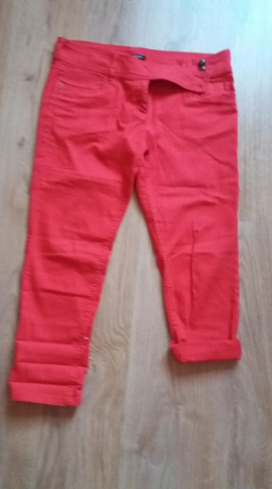 czerwone spodnie 46