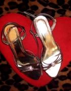 Śliczne sandały...