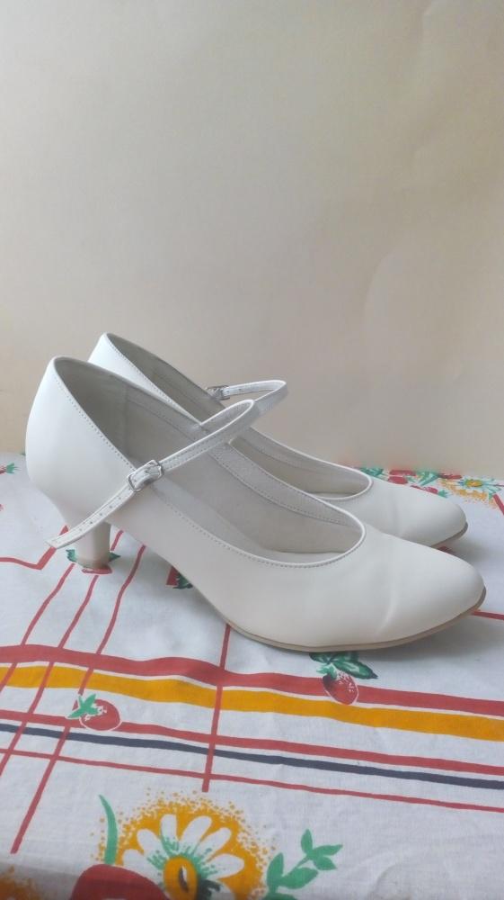 Satynowe buty ECRU rozmiar 40