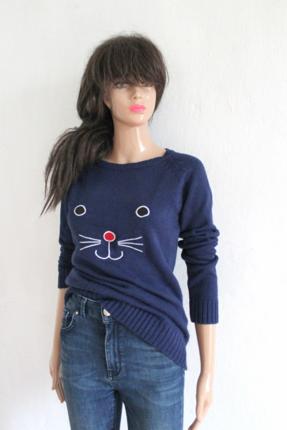 Granatowy sweterek z kotkiemr XS...