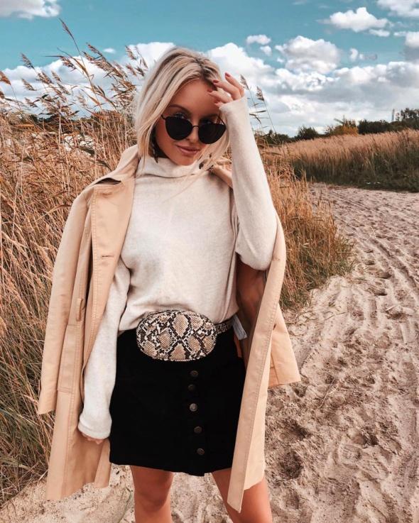 Torebki na co dzień Nowa modna torebka nerka z imitacji skóry węża Stradivarius