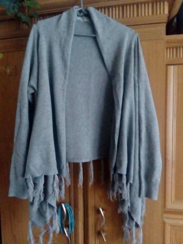 Sweterek kardigan z frędzalmi z Austrii