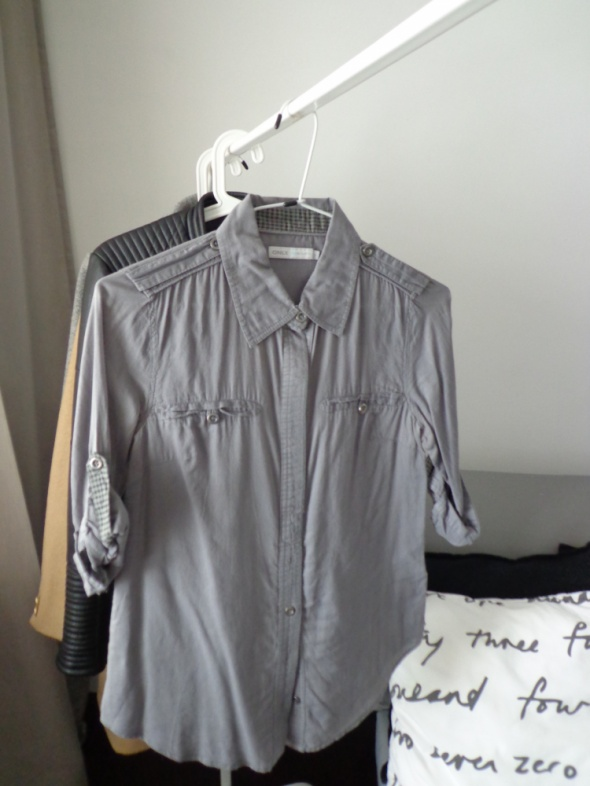Koszule koszula szara kołnierzykiem w kratę S