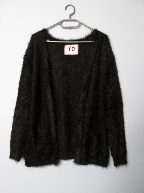 Czarny włochaty kardigan fluffy