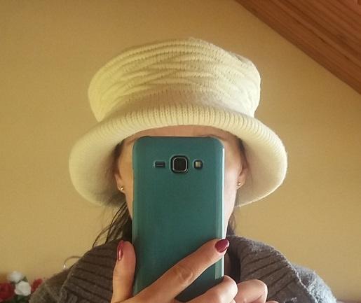 Elegancki kapelusik ze splotami