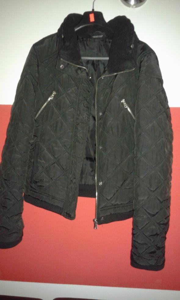 Czarna pikowana kurtka Gina...