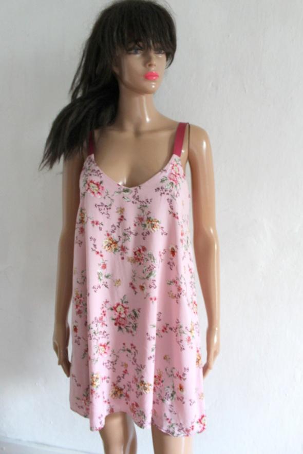 Zwiewna sukienka w kwiaty na ramiączkach r S...