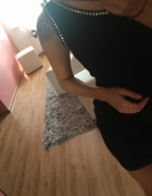 Czarna sukienka na jedno ramie cekiny...