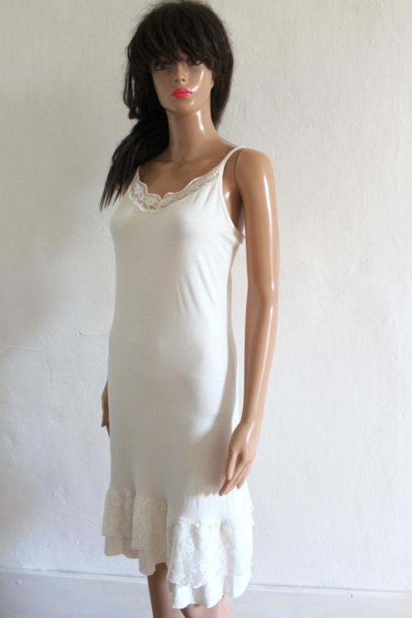 Biała dopasowana sukienka r M...