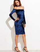 Sukienka aksamitna bardotka z chokerem