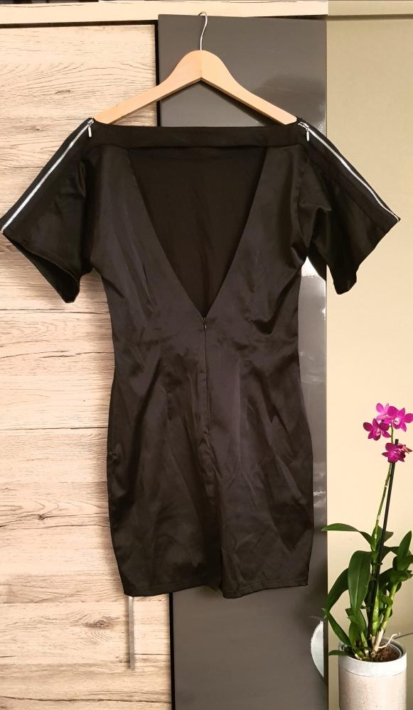 Sukienka ASOS wycięte plecy minimalizm mała czarna M L