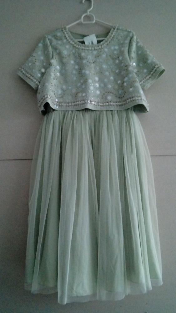 NOWA poszukiwana urocza suknia bogato zdobiona