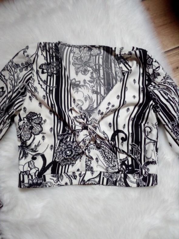 Krótka bluzka...