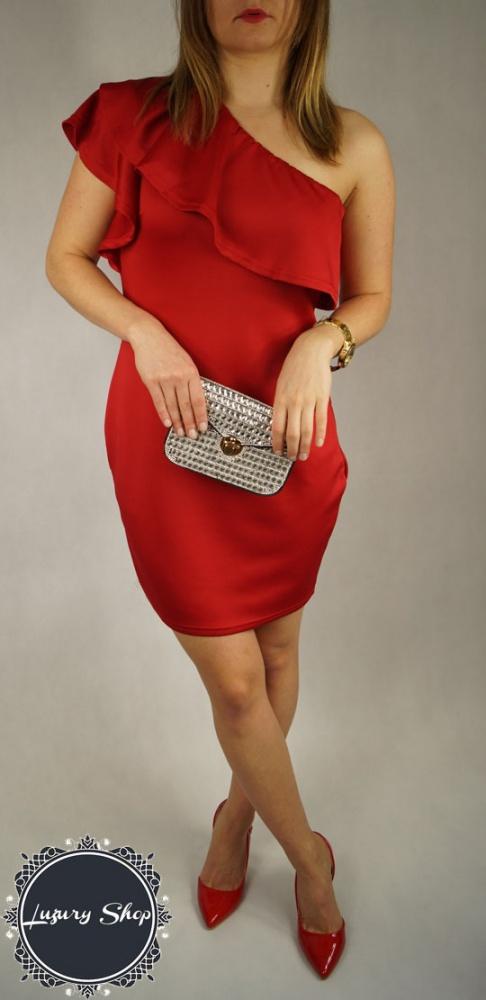 CZerwona elegancka suknia sukienka z falbaną