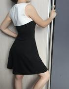 czarno biała sukienka sinsay...