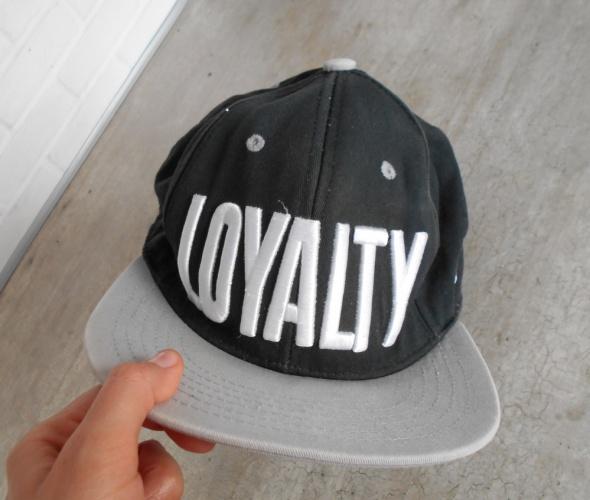 King Ice czapka z daszkiem loyalty napis...