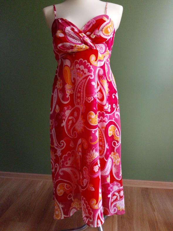 Sukienka letnia z zorzety na ramiączkach 38