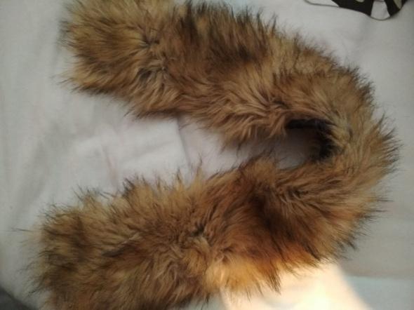 Futerko do kurtki zimowej do kaptura na guziczki