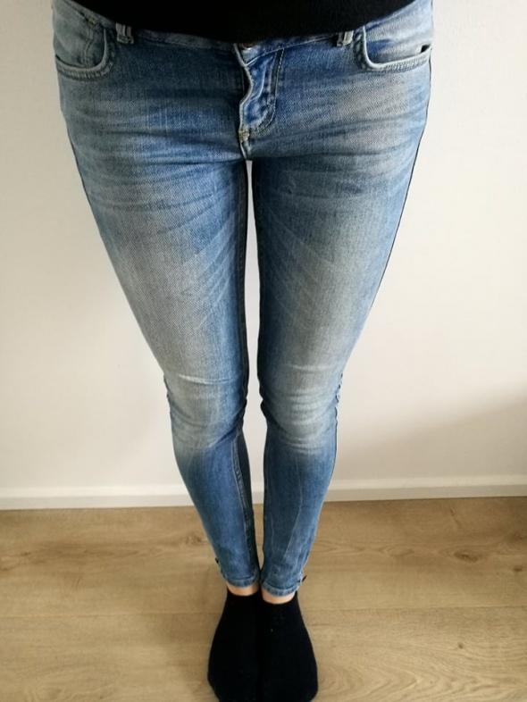 Jeansowe rurki Zara 36