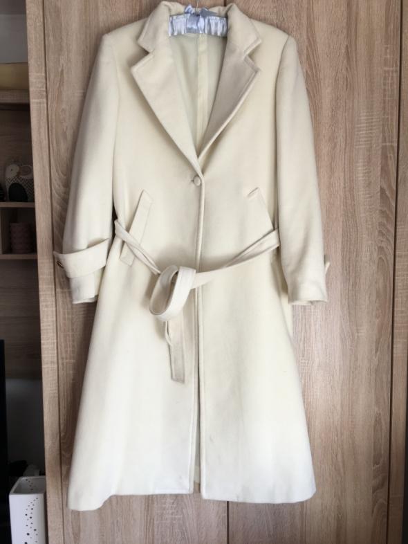 Piękny kremowy długi płaszcz beż 42