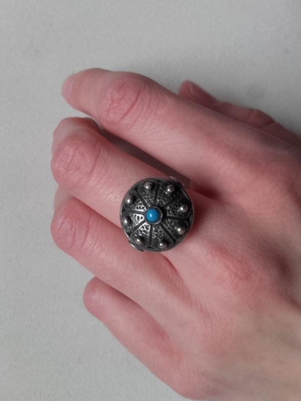 Warmet rytosztuka stary srebrny pierścionek z tuekusowym oczkiem