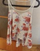 biała bluzeczka w kwiaty rozmiar M...