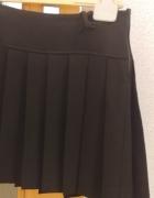 czarna krótka plisowana spódniczka rozmiar M...