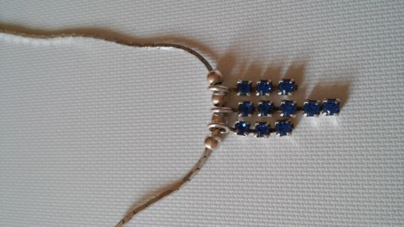 Srebrny łańcuszek z zawieszką