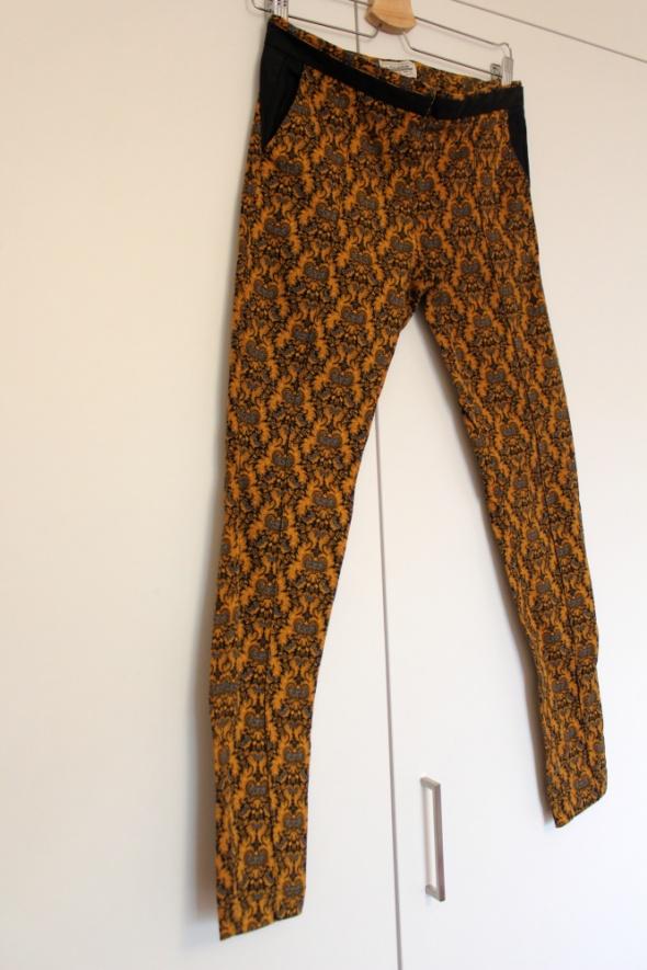 Spodnie rurki Pull&Bear XS 34 żakardowe nowe