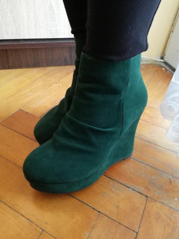 Buty zimowe na koturnie zielone butelkowa zieleń czarne 38