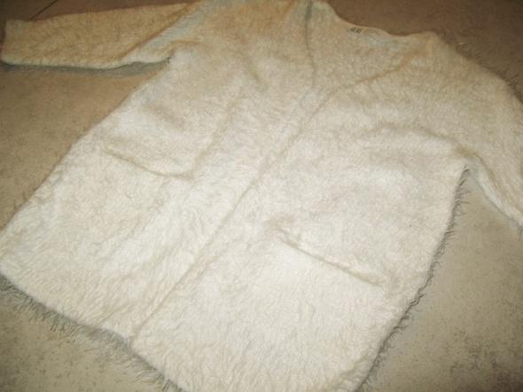 H&M biały sweterek dziewczęcy kardigan roz 92