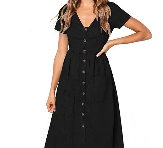 Czarna sukienka z krótkim rękawkiem
