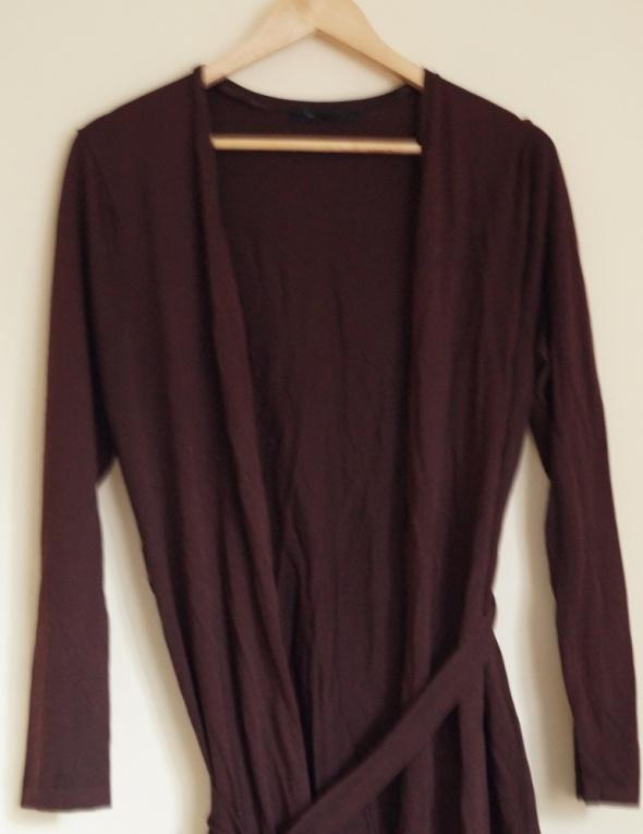 długi sweter narzutka brązowy