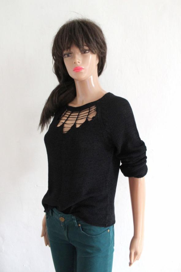 Czarny sweterek r M...