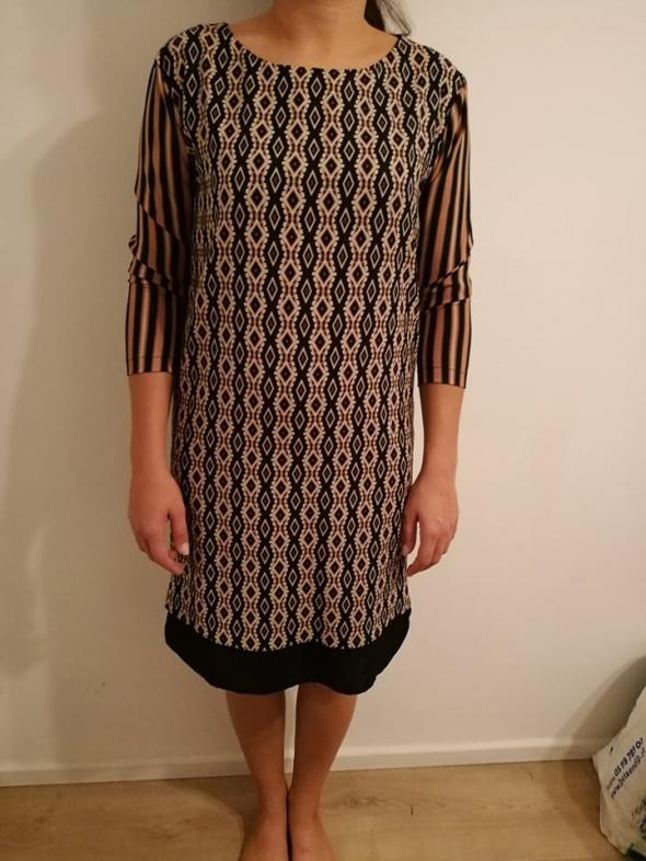 Elegancka sukienka do kolan M