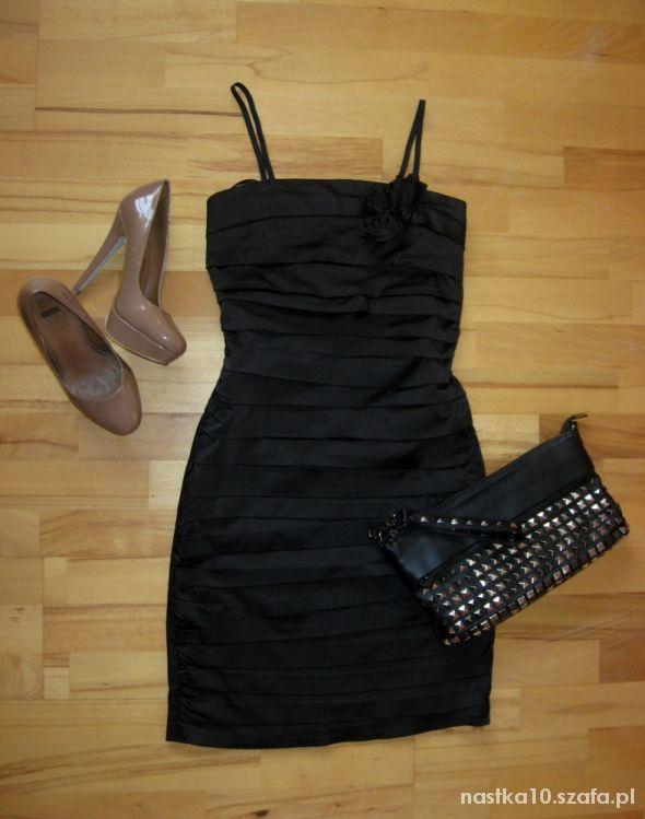 Czarna sukienka Nowa Mała czarna