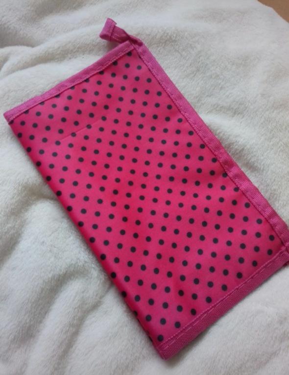 Kosmetyczka różowa czarne kropki