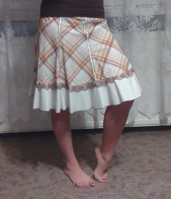 Romantyczna spódniczka w kratkę